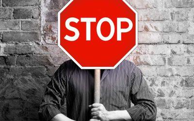 Fibromyalgie Symptome lindern: 10 DINGE mit denen du SOFORT aufhören musst!